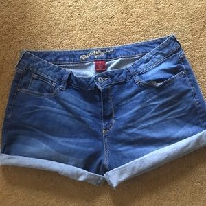 Arizona stretch denim shorts size 17